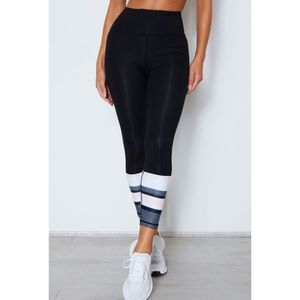 SARAH'S DAY x WHITE FOX ACTIVE Sezzy Luxe Legging